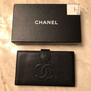 CHANEL Black Caviar Timeless Classic Wallet